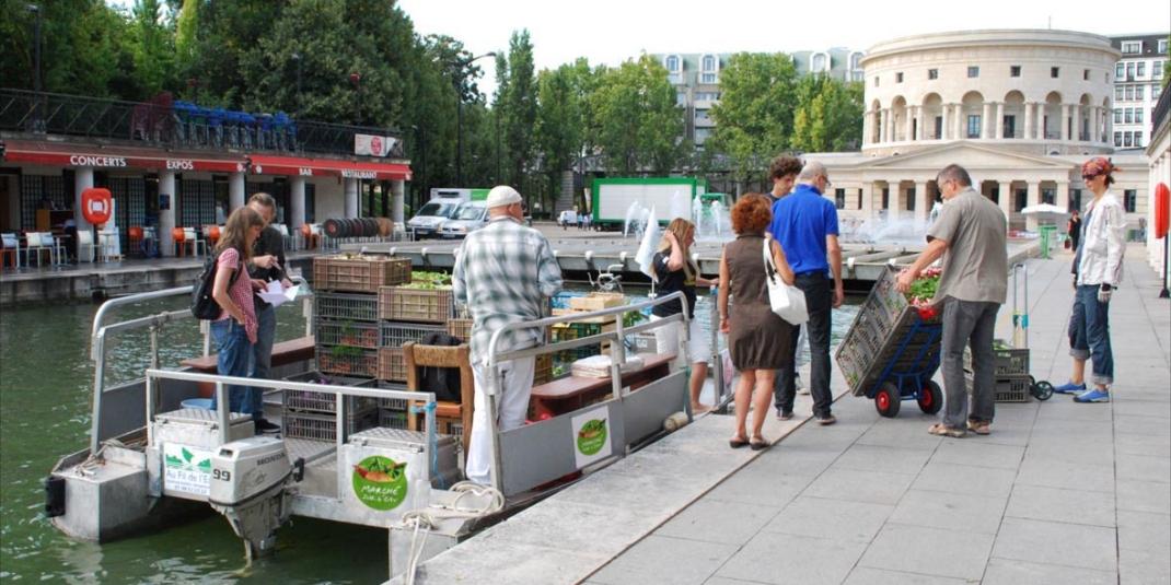Le Marché sur l'eau : produits locaux livrés par bateau