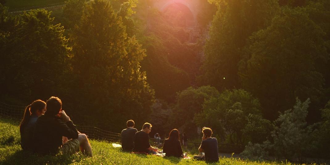 Les nocturnes des parcs parisiens cet été