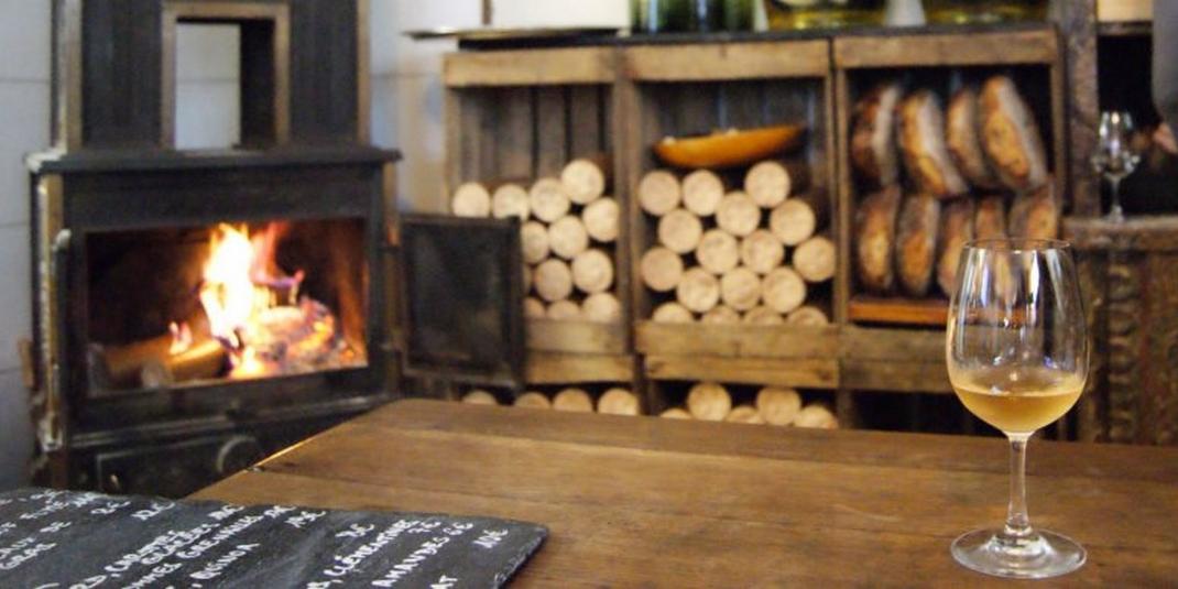 Où manger éco-friendly au coin d'une cheminée?
