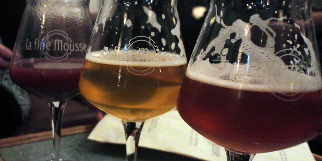 Boire une bière artisanale à la Fine Mousse