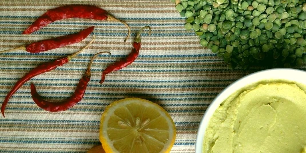 Direction cuisine : le zèbre teste la recette de houmous tout vert