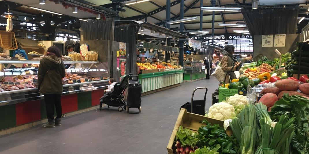 Marché de Paris : faire ses courses au marché couvert de l'Olive 18ème