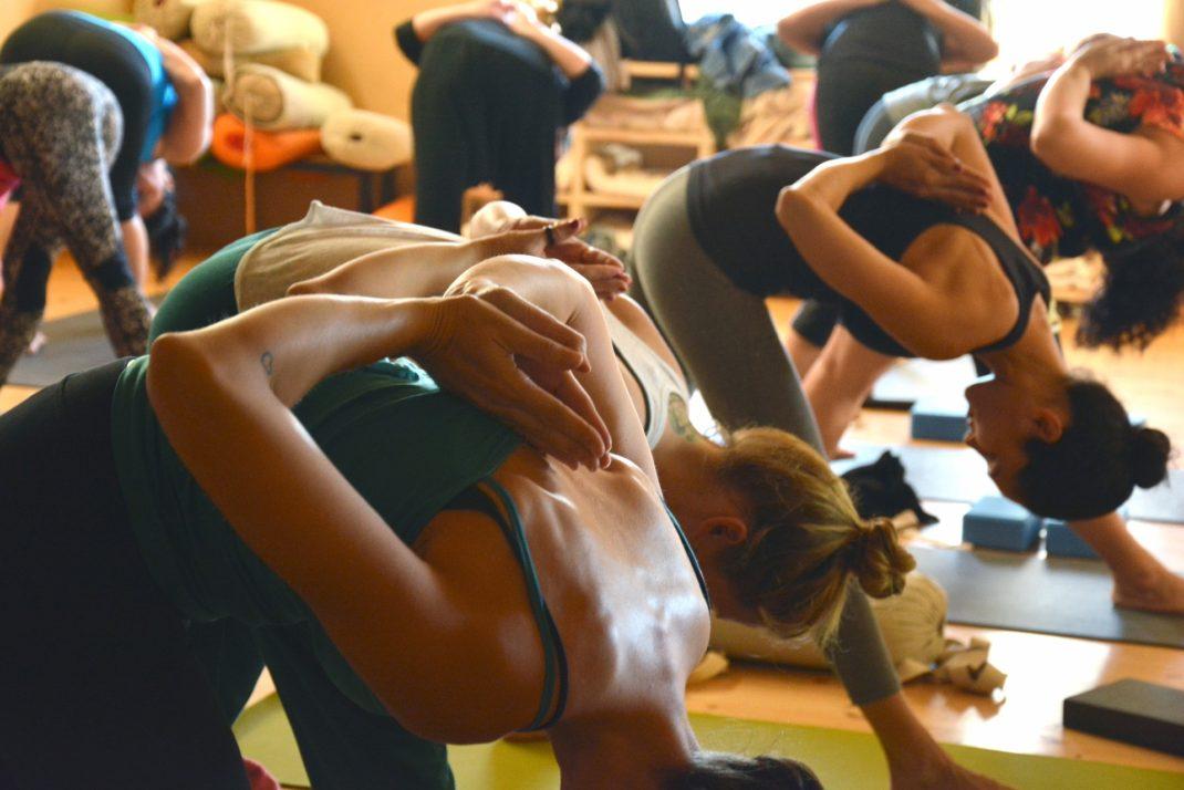 Le Top 6 des cours abordables de yoga à Paris!